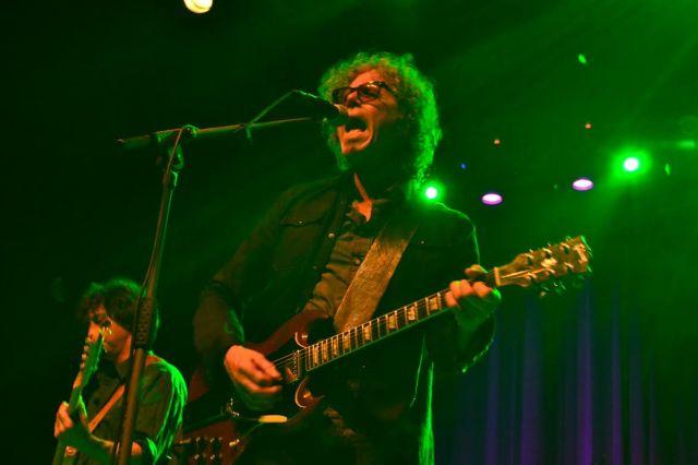 Gary Louris, feliz de haber superado la drogadicción, amenaza con un próximo disco con sintetizadores (foto: Mr. Duck).