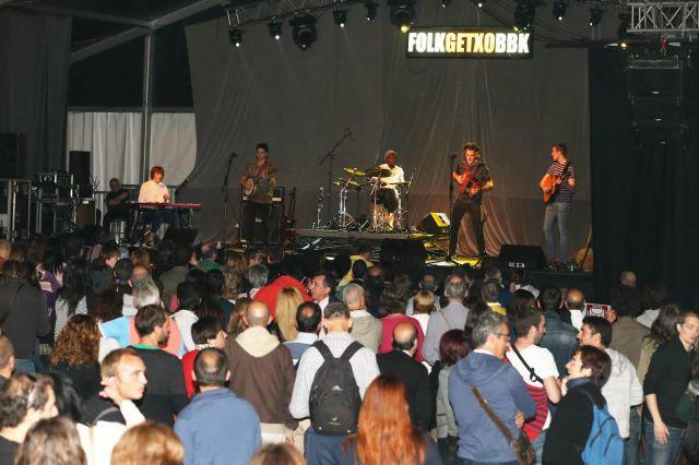 El quinteto de Sligo logró despejar el ambiente verbenero (foto: Peru Urresti / Aula de Cultura de Getxo).