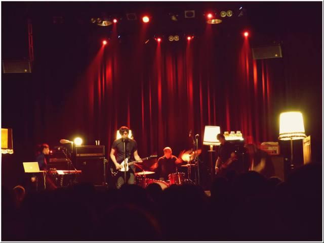 Desde atrás: Libe (teclas), JP (voz, guitarra), Galder (batería), Txap (bajo) y Gorka (foto: Danel).