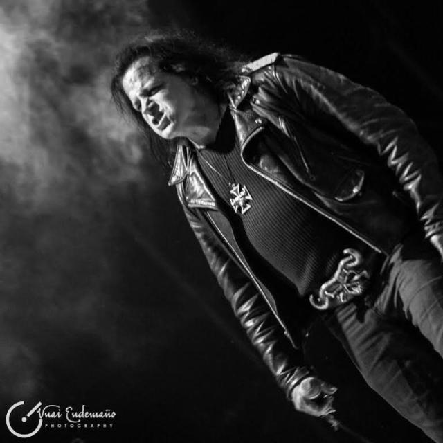 Glenn Danzig, ex Misfits, 60 años y sigue viviendo del cuento. Ni dejó sacarle fotos (foto: Unai Endemaño).
